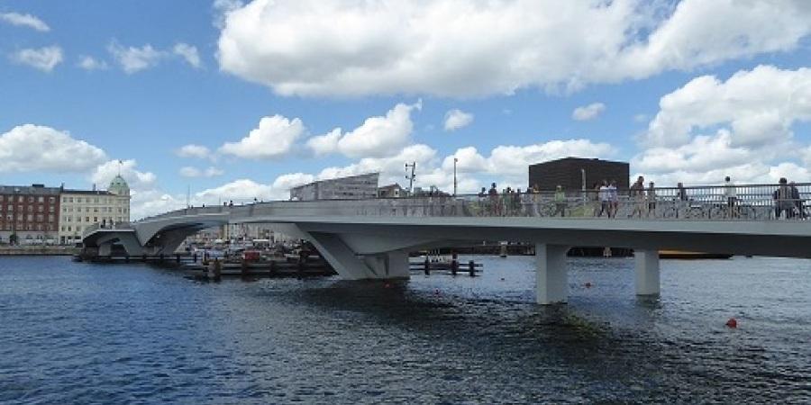 Havnens nye broer og bygninger - se alt det nye og frisk gåtur langs havnen - kom med